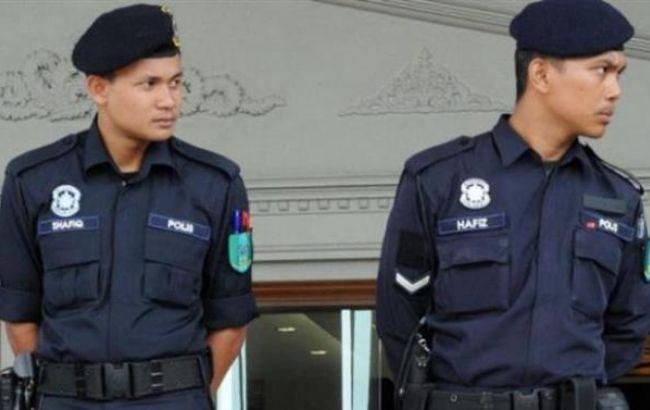 Фото: малайзійська поліція виявила на пляжі тіла 13 людей