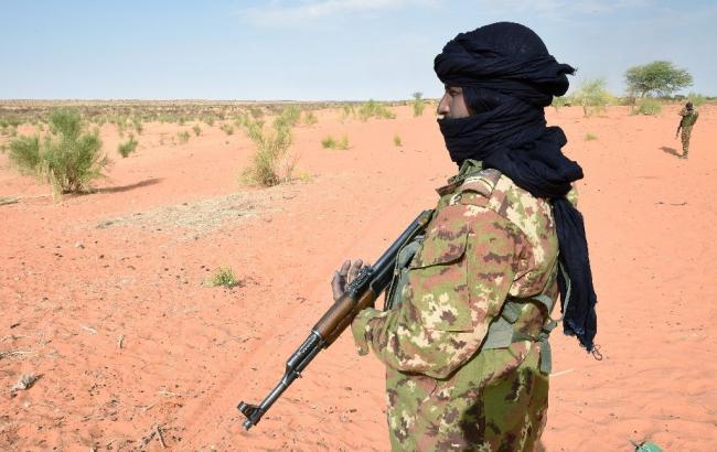 Кількість жертв вибуху у військовому таборі в Малі збільшилася до 77 осіб
