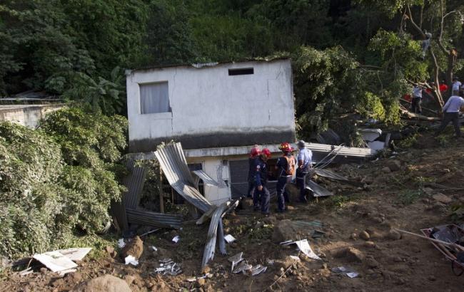 Влада Гватемали повідомили про 600 зниклих без вісті після сходження селевого потоку