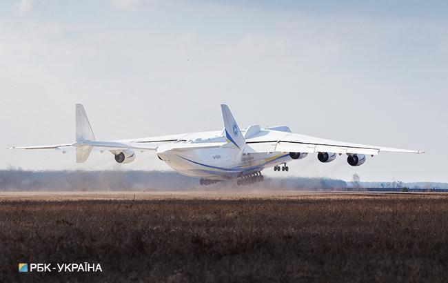 К 2022 году Кабмин намерен продавать украинские самолеты на внешних рынках (фото РБК-Украина, Виталий Носач)