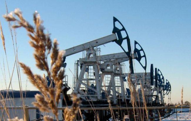 Нефть Brent торгуется ниже $56 забаррель
