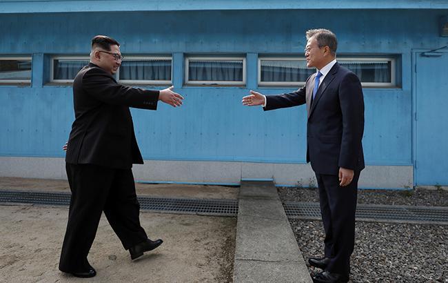 Ким Чен Ын переступил бордюр: закончится ли 70-летняя война Северной и Южной Корей