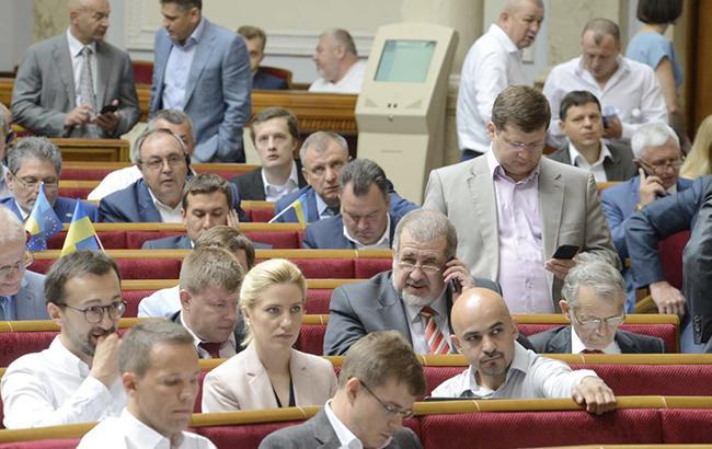 В Верховной Раде более 60 нардепов до сих пор не стали авторами принятых законов, - КИУ