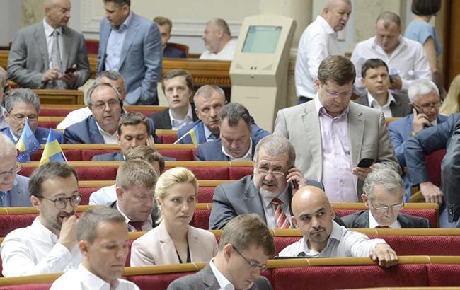 Нардепы за месяц каникул зарегистрировали более 120 законопроектов, - КИУ