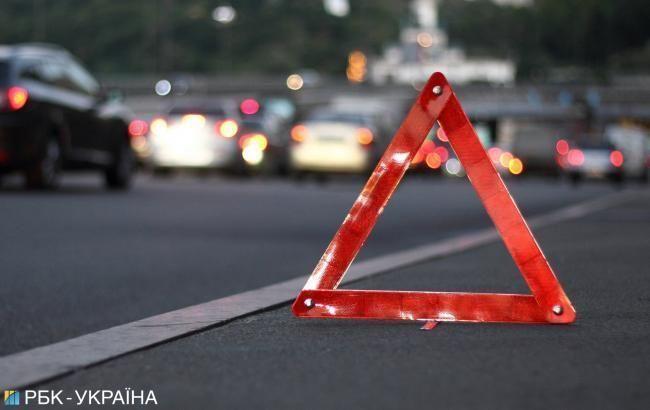 Под Харьковом автомобиль столкнулся с автобусом, есть жертва