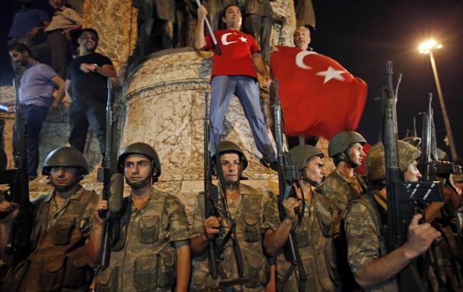 Фото: военный переворот в Турции