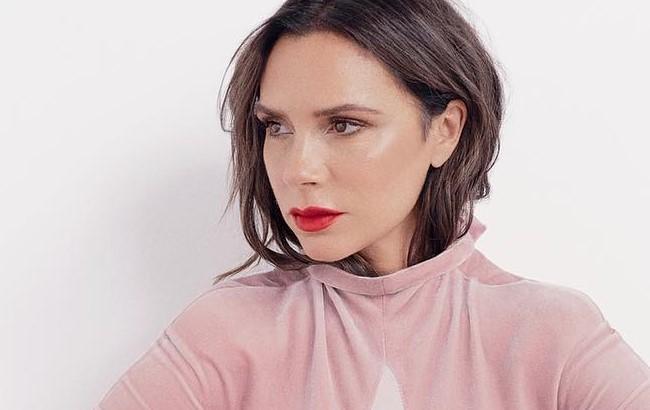 Екстремально стильна: Бекхем першою приміряла головний колір 2019 року