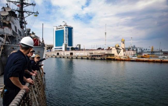 В Одесу прибув американський ракетний есмінець на військові навчання