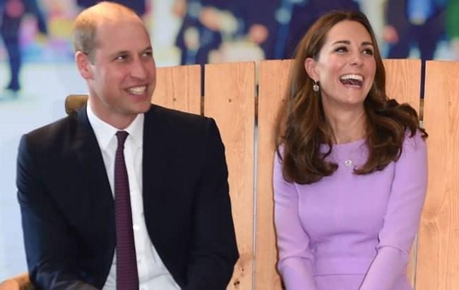 Принц Уильям сравнил наряд Кейт Миддлтон с рождественской елкой