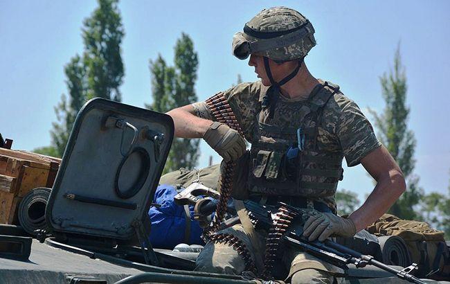 Боевики на Донбассе 8 раз обстреляли силы ООС