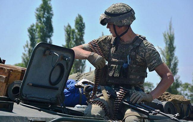 На Донбассе боевики обстреляли украинские позиции из БМП