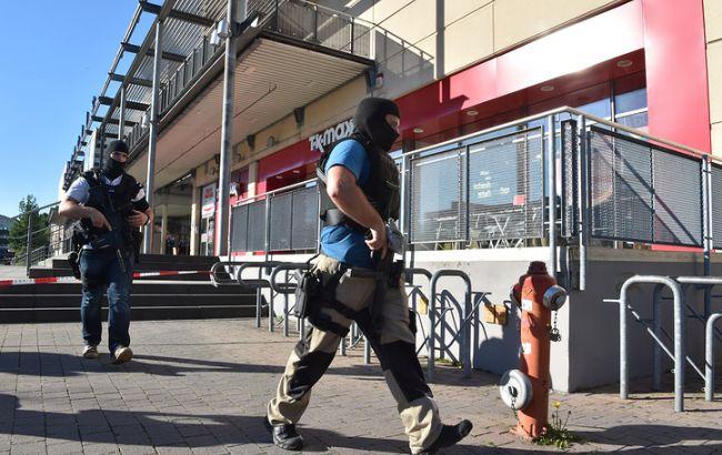 Унапавшего на гостей кинотеатра вГермании отыскали гранату и«пояс шахида»