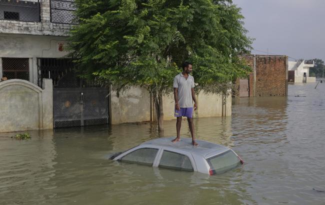 У повенях на сході Індії постраждали близько 1,4 млн осіб