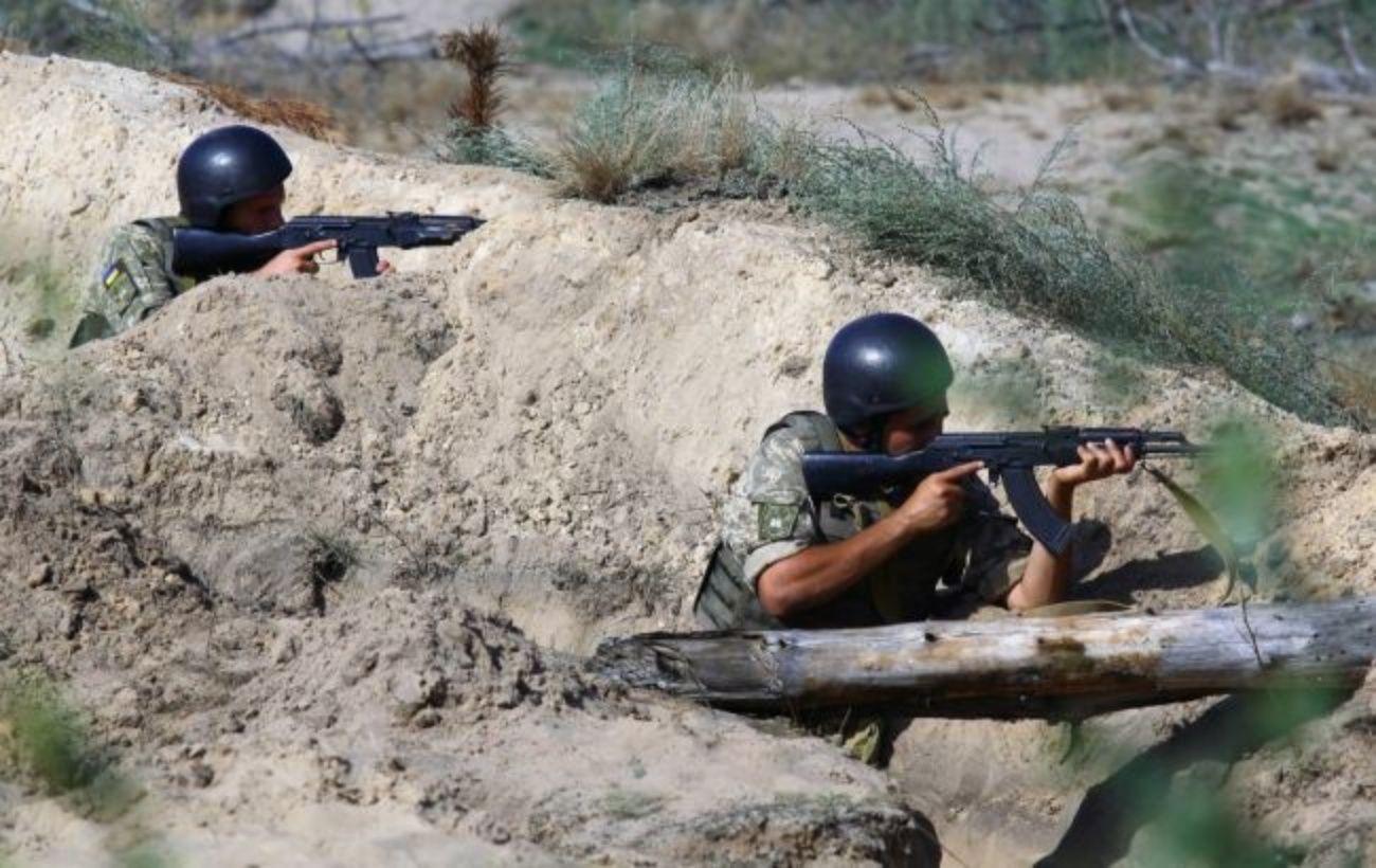 Украинские позиции на Донбассе дважды попали под минометный обстрел