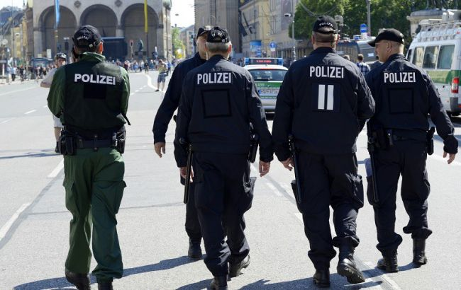 Фото: полиция ФРГ остановила конфликт между немцами и иностранцами