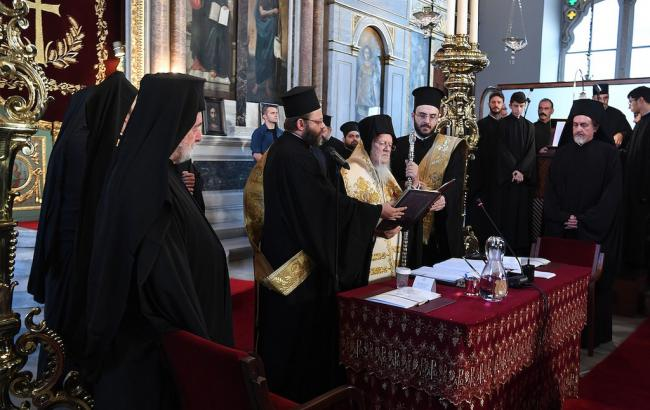 Синод у Стамбулі розглядає створення повноправною помісної церкви в Україні