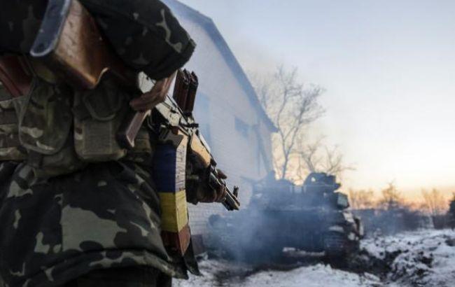 В результате обстрелов боевиков в зоне АТО ранены четверо украинских военных