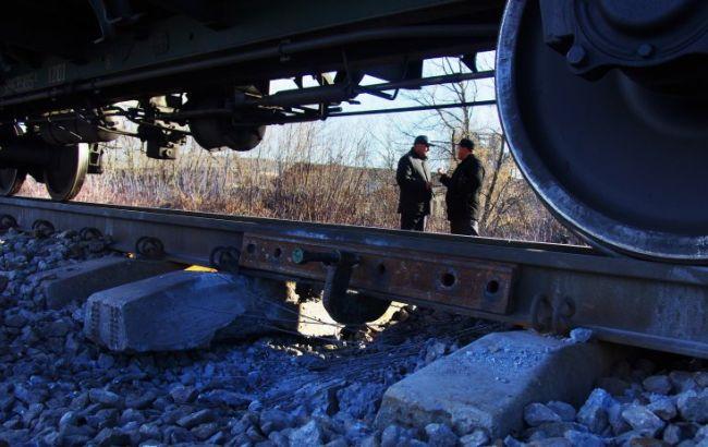 На ж/д в Донецкой области произошел взрыв во время движения поезда