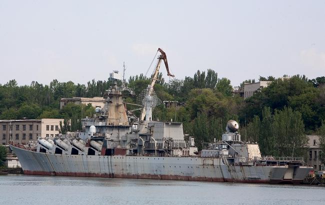 """Порошенко приказал демилитаризовать недостроенный крейсер """"Украина"""""""