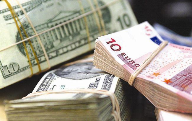 Фото: ДФС запобігла незаконному вивезення грошових коштів