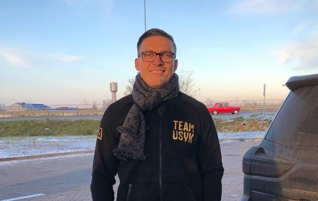 Усик прилетел в США на чемпионские бои Ломаченко и Гвоздика