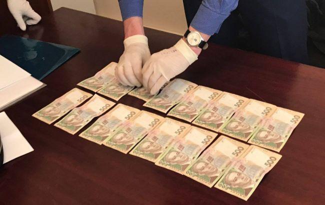 Прокуратура спіймала на хабарі чиновників Фонду держмайна
