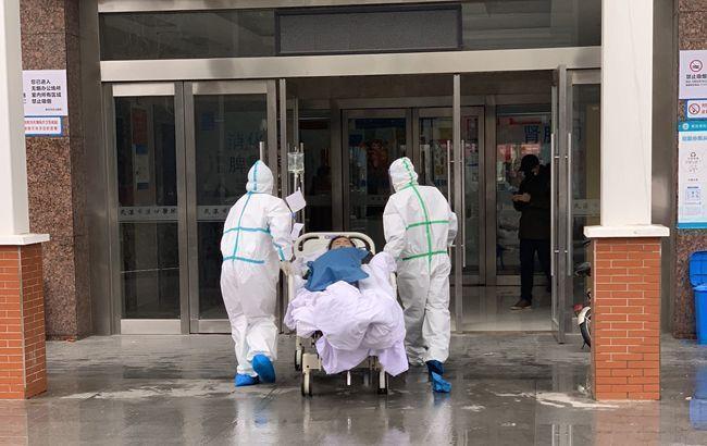 За день коронавірусом у Франції заразилися майже 100 людей, двоє померли