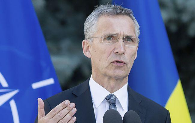 НАТО не бачить загрози в російських навчаннях у Білорусі, - Столтенберг