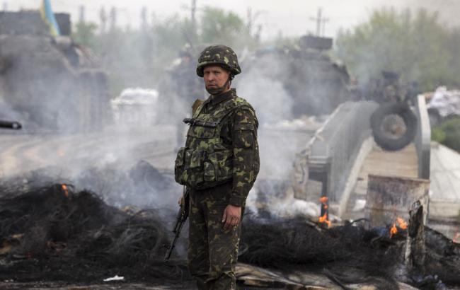 Протягом доби бойовики продовжували обстріли сил АТО на Луганському та Донецькому напрямках