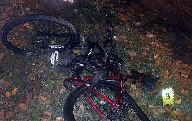 Прокуратура оголосила підозру поліцейському, який збив у Києві велосипедиста і втік