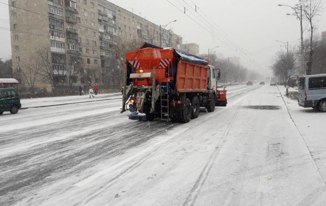 Негода у Києві: у КМДА прогнозують стабілізацію ситуації на дорогах до вечора