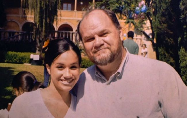 Батько Меган Маркл обіцяє шантажувати дочку до тих пір, поки вона не зробить перший крок