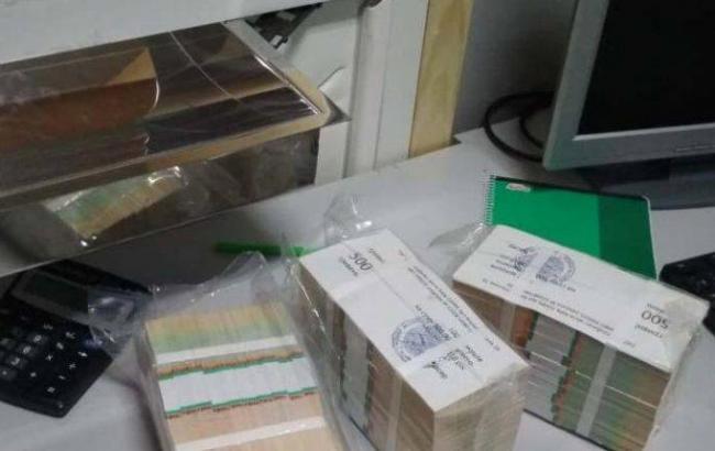 В Киеве задержали мошенников, которые пытались завладеть 45 тыс. долларов