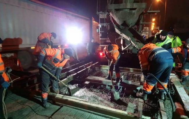 """В """"Киевавтодоре"""" назвали сроки завершения ремонтных работ на Южном мосту"""