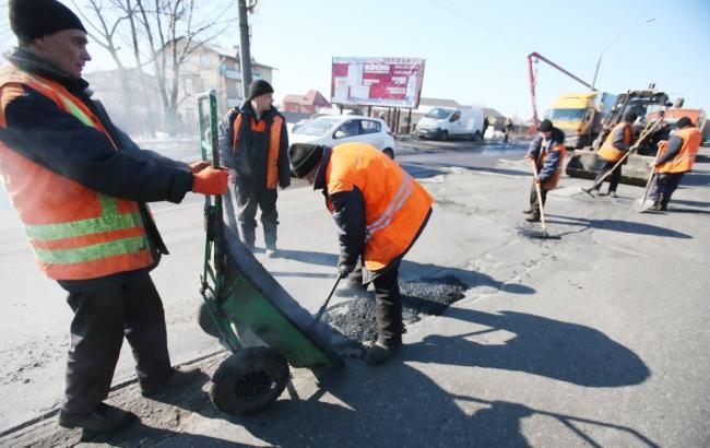 Наремонт истроительство дорог запланировали направить рекордные 322 млрд грн