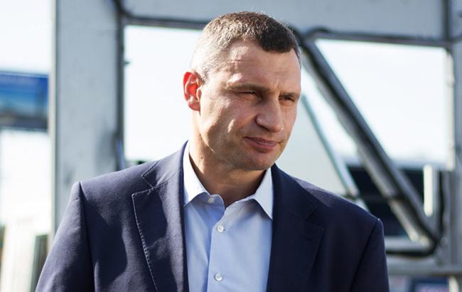 О том, будет ли Кличко баллотироваться в президенты, мэр Киева обещает объявить в год выборов (фото - kievcity.gov.ua)