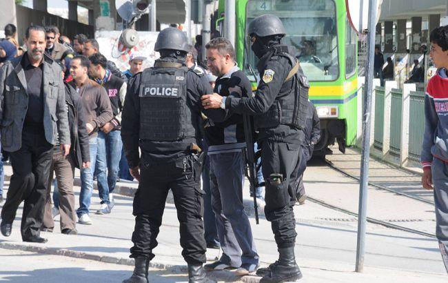 У Тунісі вибухнув автобус з співробітниками охорони президента, загинули щонайменше 6 осіб