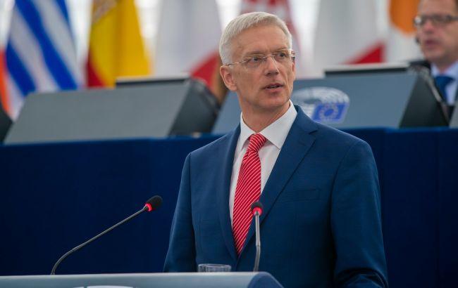 Прем'єр Латвії самоізолювався після контакту з хворим на COVID-19