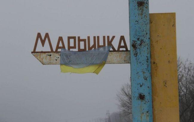 """Фото: у """"Мар'їнці"""" осколком поранено прикордонника"""