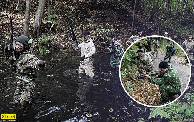 Из преступников в военные: в сети опубликованы фото тайного лагеря для подростков