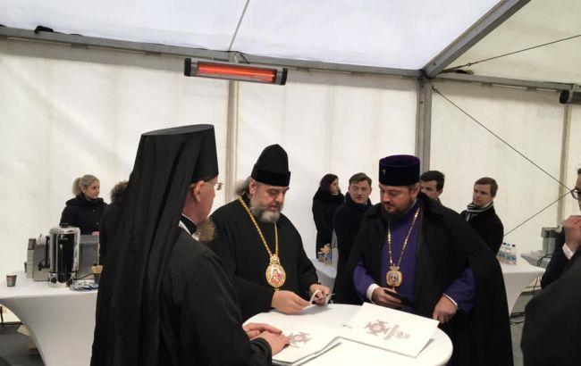 Синод УПЦ МП лишил сана двух иерархов, участвовавших в Соборе
