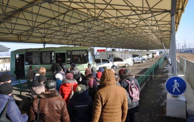 Боевики нарушают режим работы КПВВ по всей линии разграничения