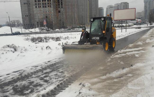 """В """"Киевавтодоре"""" рассказали, как борются со снегом в столице"""