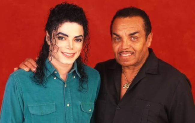Батько Майкла Джексона помер