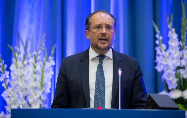 У главы МИД Австрии подтвердили COVID-19