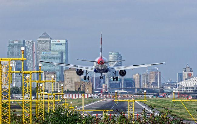 Аэропорт Лондона закрывается до конца апреля