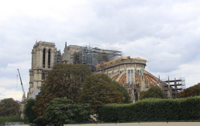 У Парижі через рік після пожежі відкрили площу перед Нотр-Дам