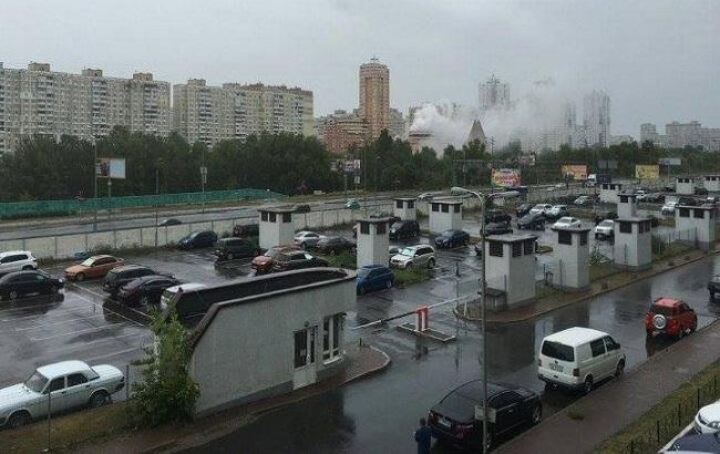 Фото: пожежа в підземному паркінгу в Києві