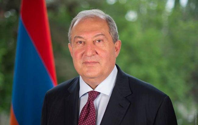 Президент Вірменії відмовився звільнити главу Генштабу на прохання Пашиняна