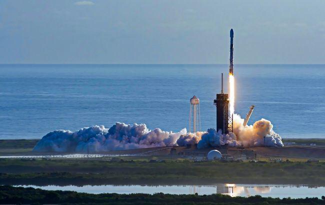SpaceX вывела на орбиту спутник SiriusXM-8. Это 18 миссия с начала года